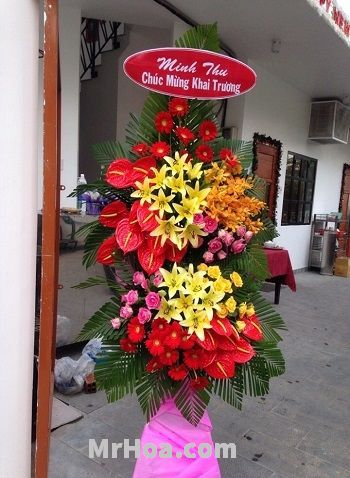 Hoa khai trương quận Tân Phú