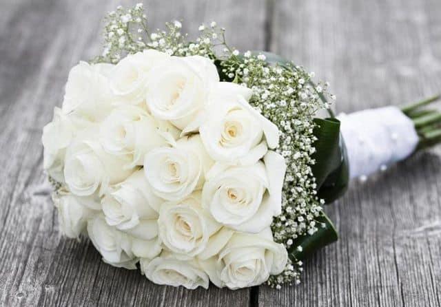Bó hoa hồng bạch cho người yêu