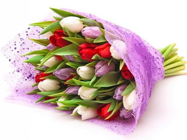 Hoa tặng mẹ ngày 20-10