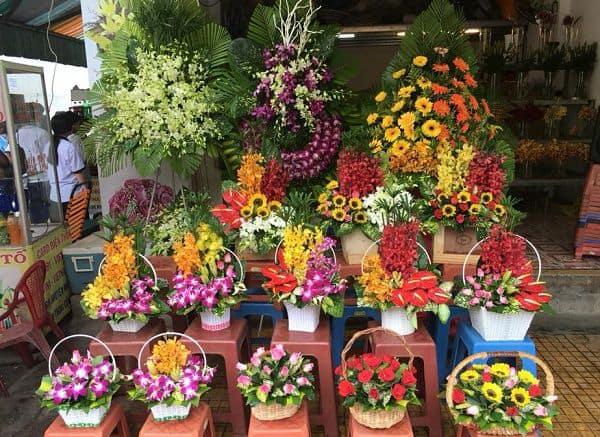 Shop hoa tuoi trang bom