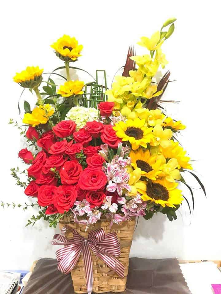 Cua hang hoa tuoi dong xoai