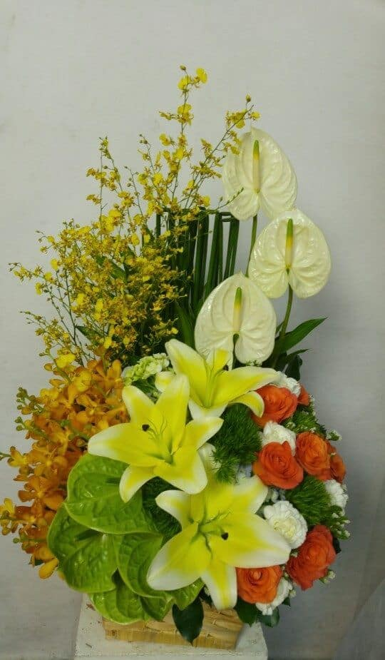 giỏ hoa sinh nhật màu vàng