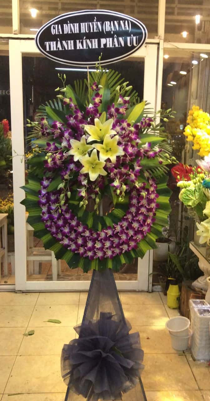 Hoa chia buồn quận 8 màu tím