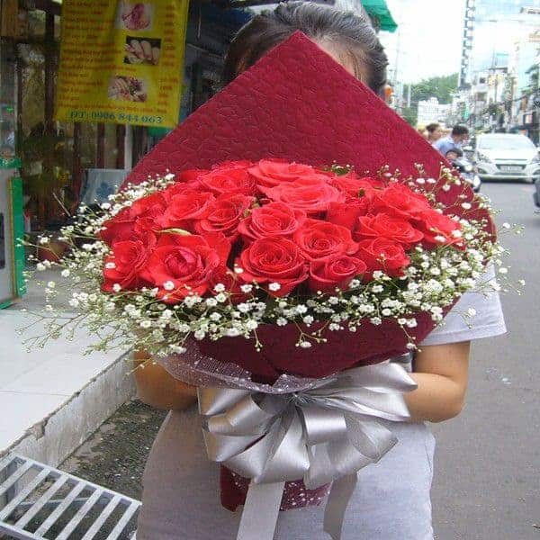 Mua hoa sinh nhat cho nu