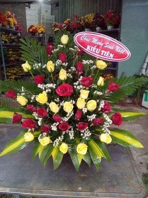 Cua hang hoa tuoi phong dien