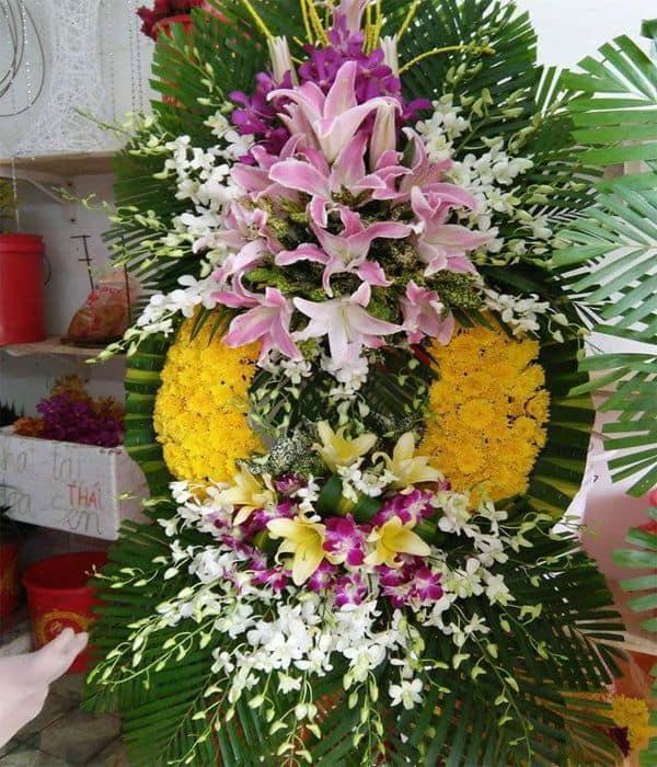 Vong hoa chia buon dau thuong