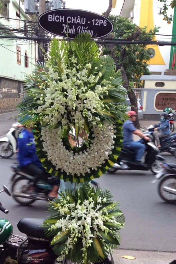 Hoa vieng dam ma binh thanh