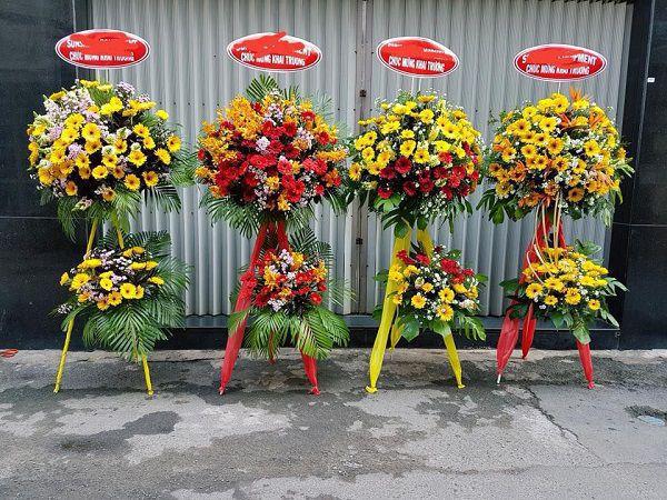 Giao hoa tuoi tai Hoang Mai