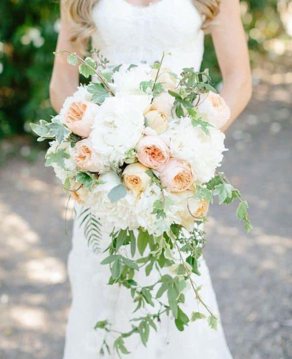 hoa cho cô dâu cao to