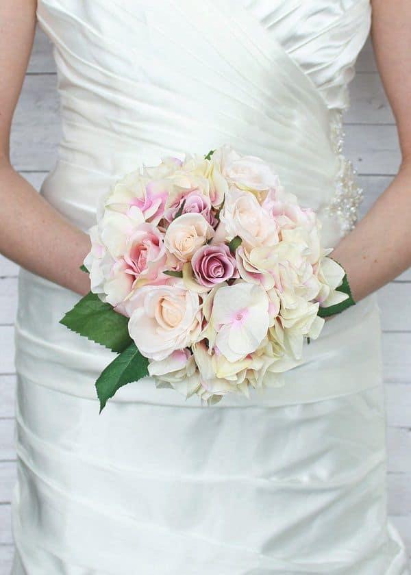 hoa cho cô dâu nhỏ bé
