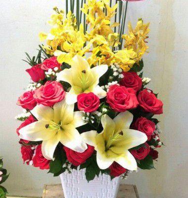 Giỏ hoa ly