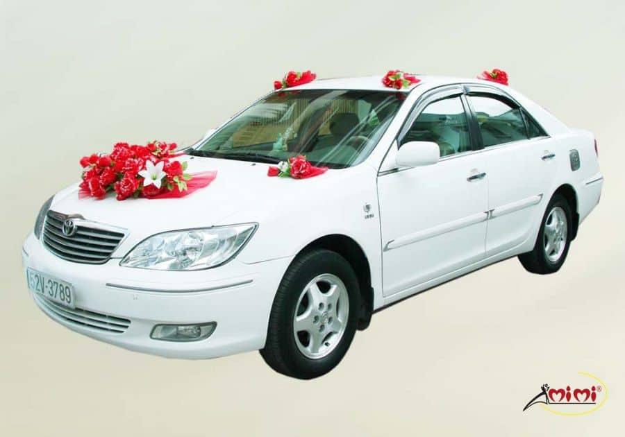 cách trang trí hoa xe cưới