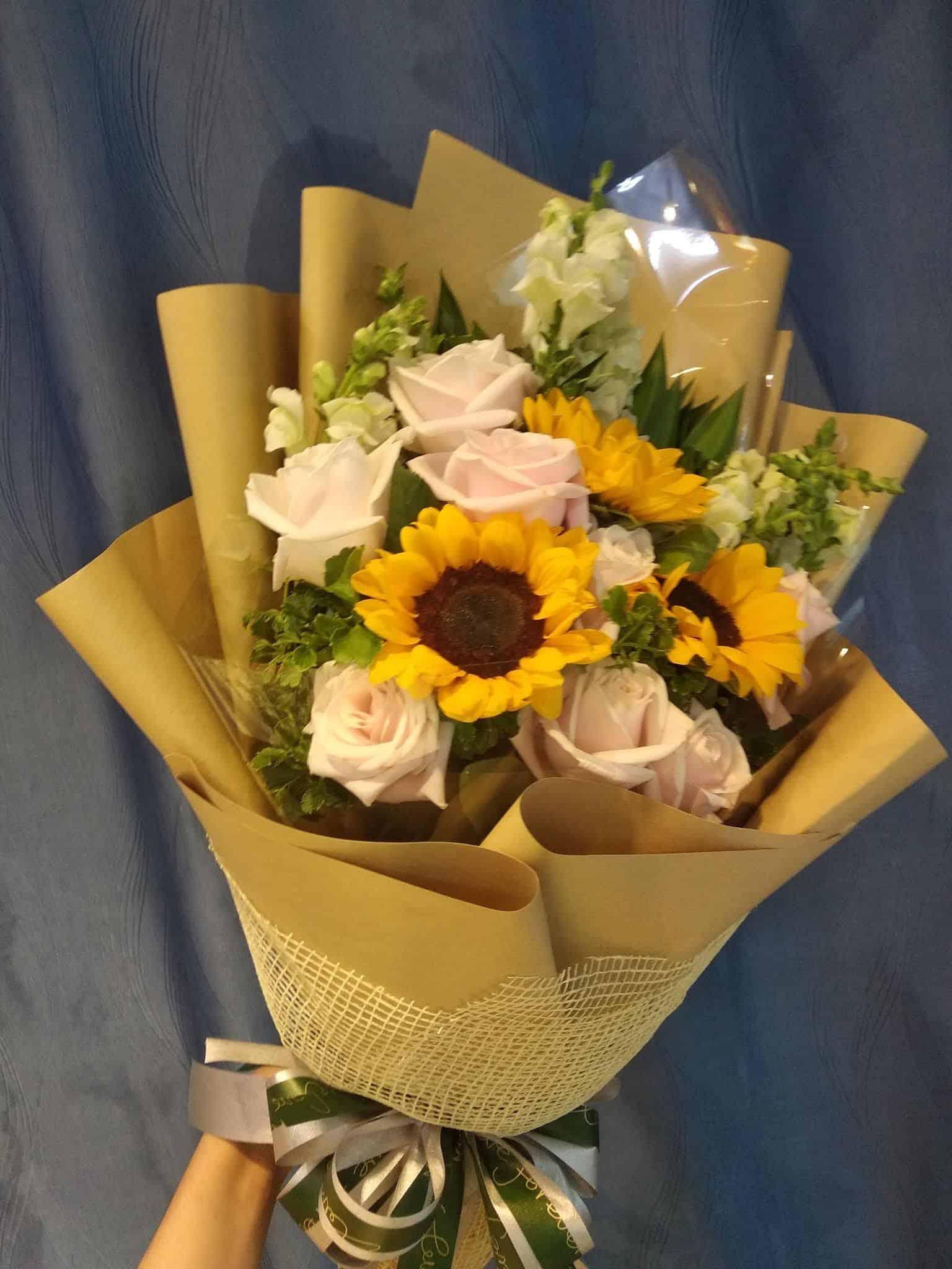 Bó hoa tặng đại biểu