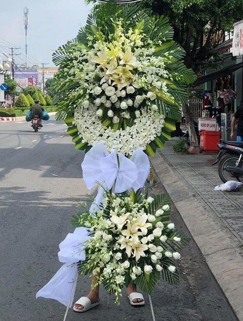 Ke hoa tang le ve noi xa