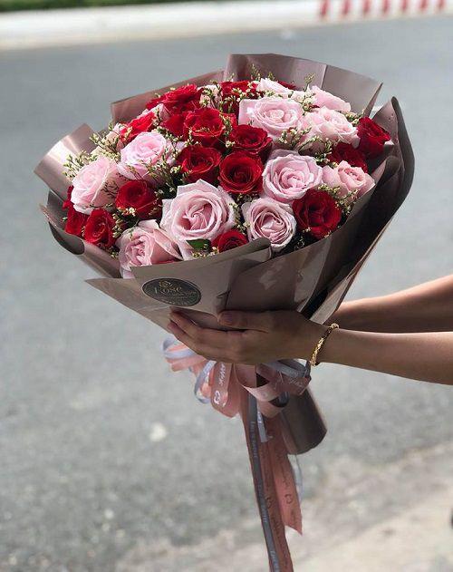 Hoa bó riêng mình em
