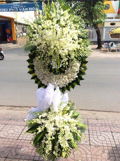 Kệ hoa chia buồn đám ma